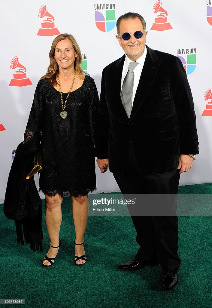 Actor Raul 'El Gordo' De Molina (R) and guest arrives at the 11th annual Latin GRAMMY Awards at the Mandalay Bay Resort & Casino on November 11, 2010 in Las Vegas, Nevada.