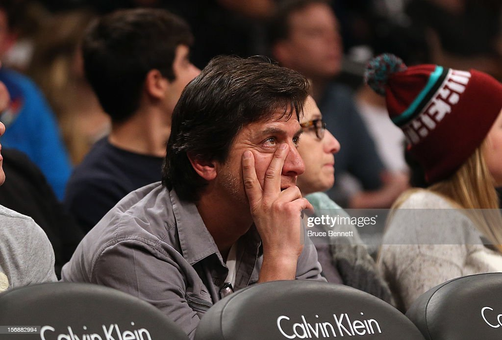 Actor Ray Romano attends the game between the Brooklyn Nets and the Los Angeles Clippers at the Barclays Center on November 23, 2012 in the Brooklyn borough of New York City.