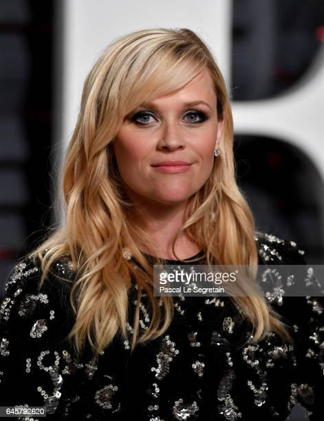 Actor Reese Witherspoon attends the 2017 Vanity Fair Oscar Party hosted by Graydon Carter at Wallis Annenberg Center for the Performing Arts on...