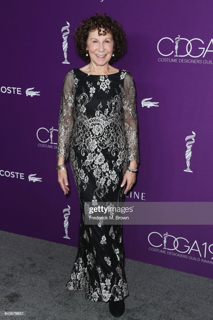 actor-rhea-perlman-attends-the-19th-cdga-with-presenting-sponsor-at-picture-id643579852