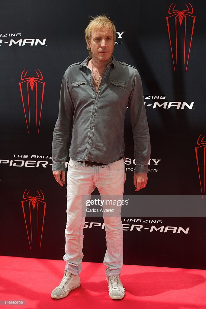 Actor <a gi-track='captionPersonalityLinkClicked' href=/galleries/search?phrase=Rhys+Ifans&family=editorial&specificpeople=204530 ng-click='$event.stopPropagation()'>Rhys Ifans</a> attends 'The Amazing Spider-Man' photocall at Villamagna Hotel on June 21, 2012 in Madrid, Spain.
