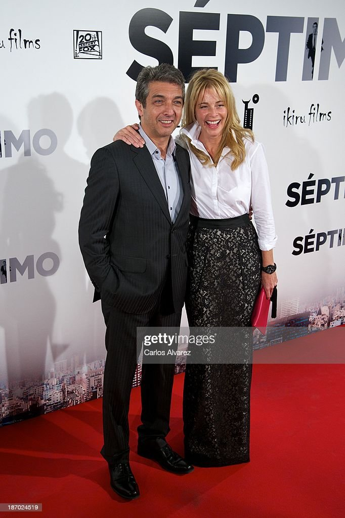 Actor <a gi-track='captionPersonalityLinkClicked' href=/galleries/search?phrase=Ricardo+Darin&family=editorial&specificpeople=769073 ng-click='$event.stopPropagation()'>Ricardo Darin</a> and Spanish actress <a gi-track='captionPersonalityLinkClicked' href=/galleries/search?phrase=Belen+Rueda&family=editorial&specificpeople=213596 ng-click='$event.stopPropagation()'>Belen Rueda</a> attend the 'Septimo' premiere at the Capitol cinema on November 5, 2013 in Madrid, Spain.