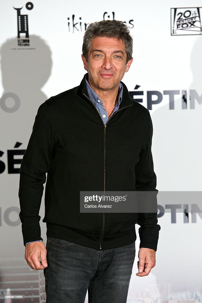 Actor <a gi-track='captionPersonalityLinkClicked' href=/galleries/search?phrase=Ricardo+Darin&family=editorial&specificpeople=769073 ng-click='$event.stopPropagation()'>Ricardo Darin</a> attends the 'Septimo' photocall at the Casa de America on November 5, 2013 in Madrid, Spain.