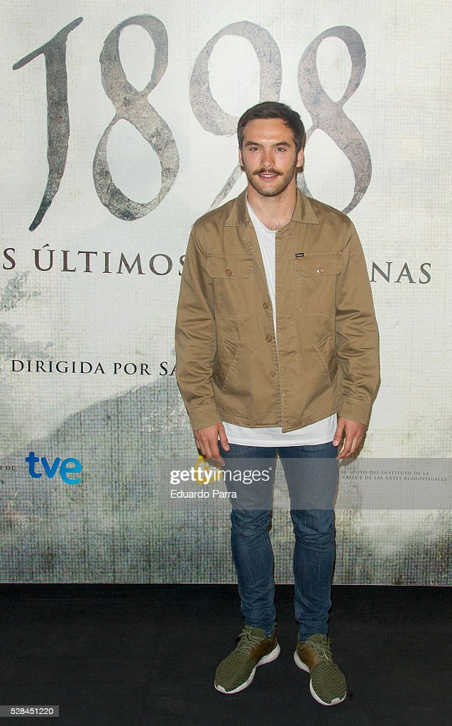 Actor Ricardo Gomez attends the '1898 Los ultimos de Filiponas' photocall at Oscar hotel on May 05, 2016 in Madrid, Spain.