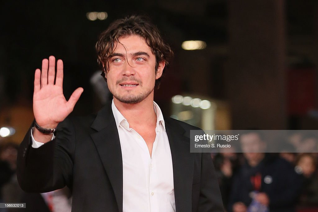Actor <a gi-track='captionPersonalityLinkClicked' href=/galleries/search?phrase=Riccardo+Scamarcio&family=editorial&specificpeople=816804 ng-click='$event.stopPropagation()'>Riccardo Scamarcio</a> attends the 'Cosimo E Nicole' Premiere during the 7th Rome Film Festival at Auditorium Parco Della Musica on November 16, 2012 in Rome, Italy.