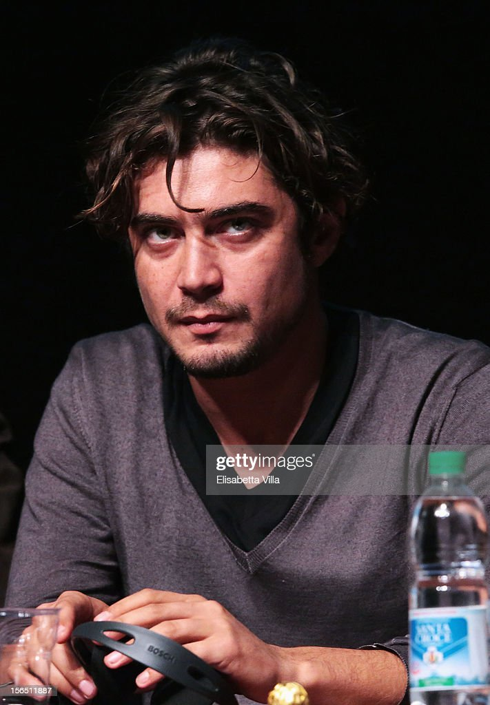 Actor <a gi-track='captionPersonalityLinkClicked' href=/galleries/search?phrase=Riccardo+Scamarcio&family=editorial&specificpeople=816804 ng-click='$event.stopPropagation()'>Riccardo Scamarcio</a> attends the 'Cosimo E Nicole' Press Conference during the 7th Rome Film Festival at the Auditorium Parco Della Musica on November 16, 2012 in Rome, Italy.