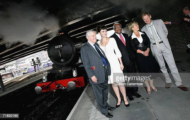 Actor Richard Briers CBE actress Rachel Stirling Sir Trevor McDonald OBE Candida Lycett Green and the current Poet Laureate Andrew Motion pose before...