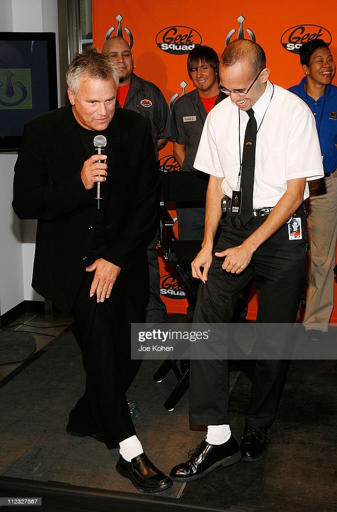 Actor <a gi-track='captionPersonalityLinkClicked' href=/galleries/search?phrase=Richard+Dean+Anderson+-+Actor&family=editorial&specificpeople=5221192 ng-click='$event.stopPropagation()'>Richard Dean Anderson</a> (L) and a Geek Squad agent attend Best Buy Launch Geek Squad Black Tie Protection at Best Buy Store on September 16, 2008 in New York City