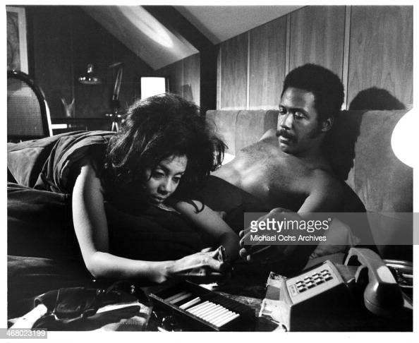 Actor Richard Roundtree and Rosalind Miles on set of the movie 'Shaft's Big Score' circa 1972