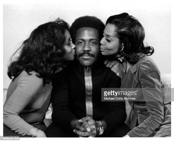 Actor Richard Roundtree poses with actresses Kathy Imrie and on set of the movie 'Shaft's Big Score' circa 1972