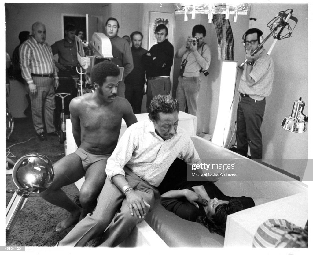 Actor Richard Roundtree with director Gordon Parks and actress Kathy Imrie on set of the movie 'Shaft's Big Score' circa 1972