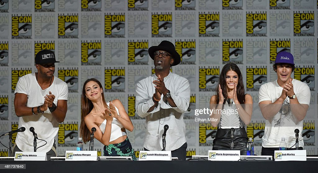 Actor Ricky Whittle actress Lindsey Morgan actor Isaiah Washington actress Marie Avgeropoulos and actor Bob Morley attend a special video...