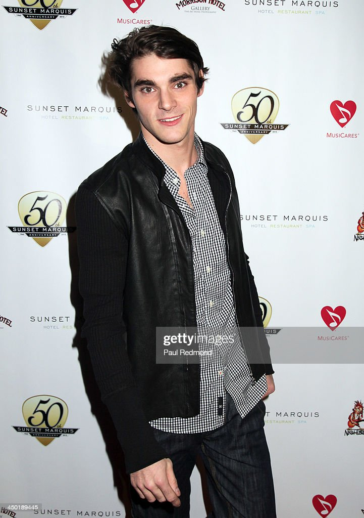 Actor <a gi-track='captionPersonalityLinkClicked' href=/galleries/search?phrase=RJ+Mitte&family=editorial&specificpeople=4542119 ng-click='$event.stopPropagation()'>RJ Mitte</a> attends Sunset Marquis Hotel 50th Anniversary Birthday Bash at Sunset Marquis Hotel & Villas on November 16, 2013 in West Hollywood, California.