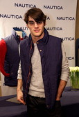Actor RJ Mitte attends the HBO Luxury Lounge featuring PANDORA Jewelry at Four Seasons Hotel Los Angeles at Beverly Hills on January 11 2014 in...