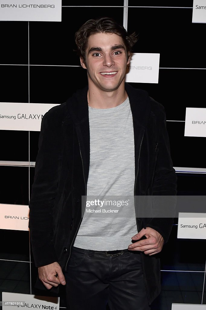 Actor RJ Mitte attends The Note Pad Powered by the Samsung Galaxy Note 4 on October 24 2014 in Los Angeles California