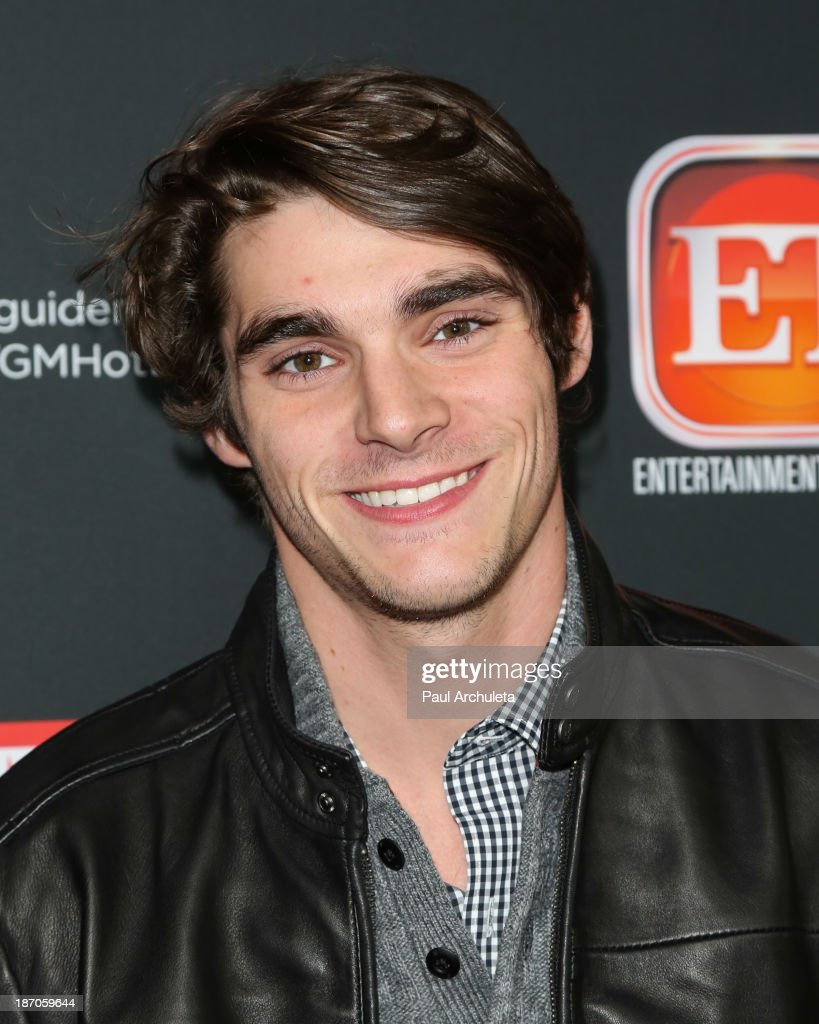 Actor <a gi-track='captionPersonalityLinkClicked' href=/galleries/search?phrase=RJ+Mitte&family=editorial&specificpeople=4542119 ng-click='$event.stopPropagation()'>RJ Mitte</a> attends TV Guide magazine's annual Hot List Party at The Emerson Theatre on November 4, 2013 in Hollywood, California.