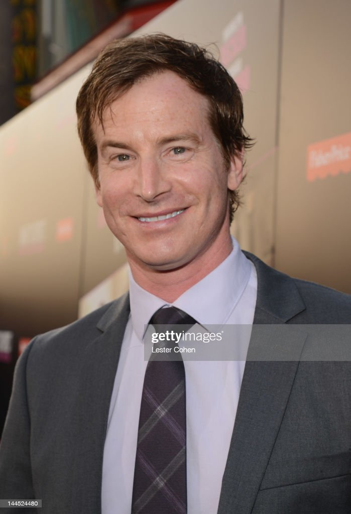 Actor Rob Huebel arrives at the Los Angeles premiere of 'What To Expect When You're Expecting' at Grauman's Chinese Theatre on May 14, 2012 in Hollywood, California.