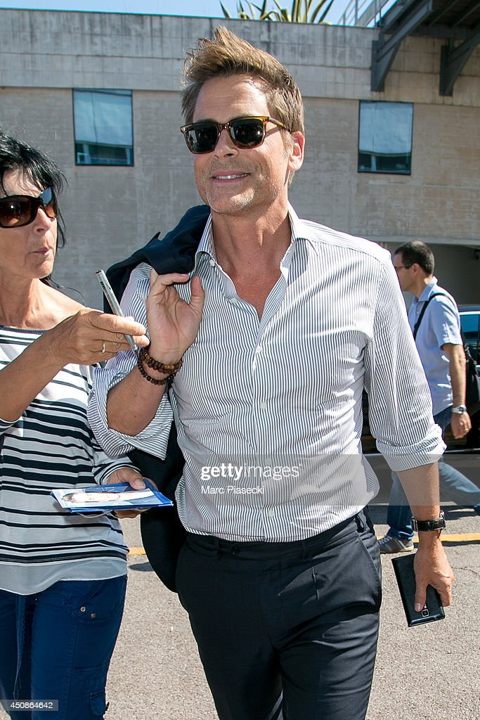 Actor <a gi-track='captionPersonalityLinkClicked' href=/galleries/search?phrase=Rob+Lowe&family=editorial&specificpeople=211607 ng-click='$event.stopPropagation()'>Rob Lowe</a> arrives at the 'Palais des Festivals' on June 19, 2014 in Cannes, France.