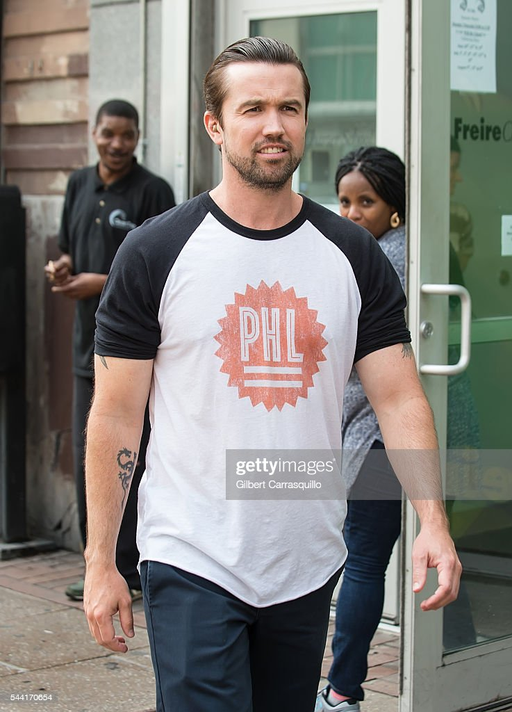 Actor <a gi-track='captionPersonalityLinkClicked' href=/galleries/search?phrase=Rob+McElhenney&family=editorial&specificpeople=537737 ng-click='$event.stopPropagation()'>Rob McElhenney</a> is seen filming scenes of season 12 of 'It's Always Sunny In Philadelphia' sitcom on July 1, 2016 in Philadelphia, Pennsylvania.
