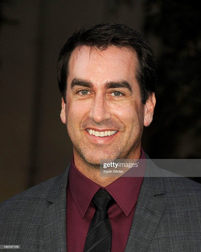 Actor <a gi-track='captionPersonalityLinkClicked' href=/galleries/search?phrase=Rob+Riggle&family=editorial&specificpeople=2789494 ng-click='$event.stopPropagation()'>Rob Riggle</a> arrives at the 2012 Environmental Media Awards at Warner Brothers Studios on September 29, 2012 in Burbank, California.