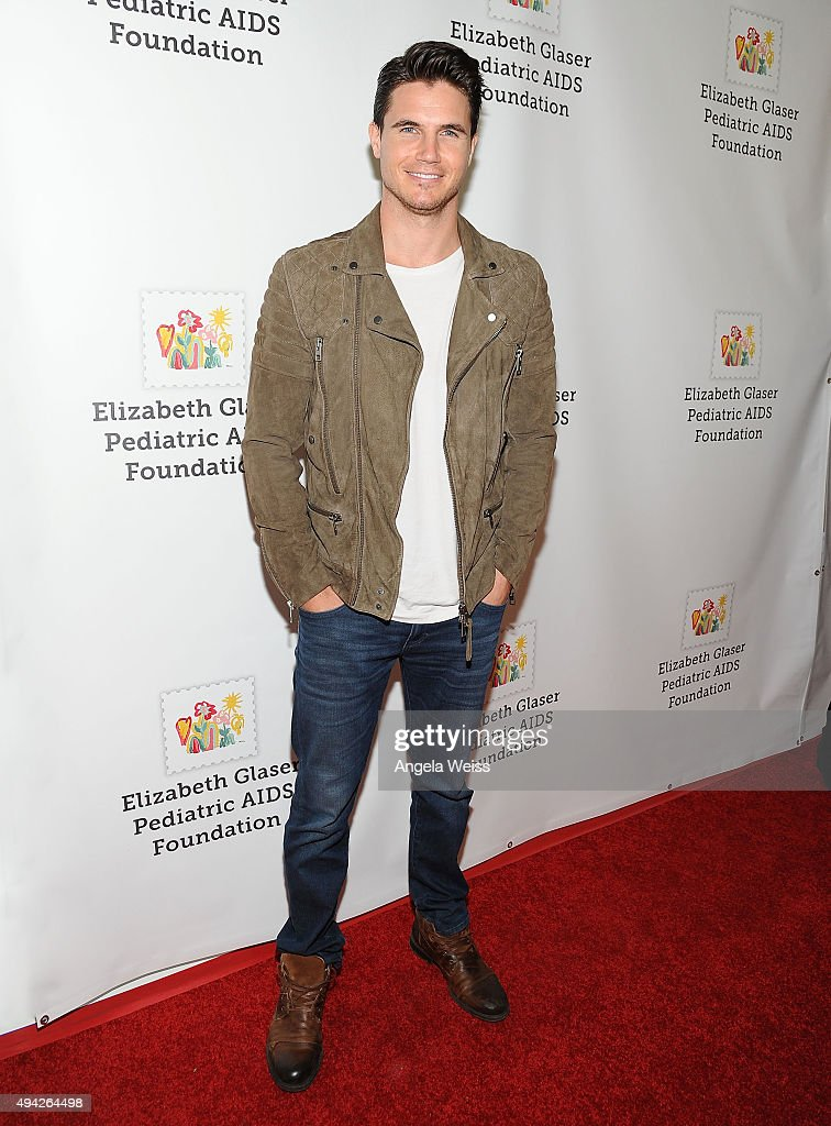 Actor Robbie Amell attends the Elizabeth Glaser Pediatric AIDS Foundation's 26th Annual A Time For Heroes Family Festival at Smashbox Studios on...