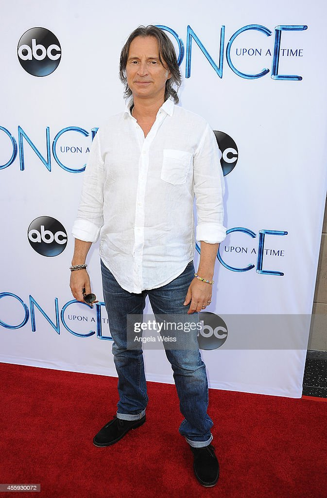 Actor Robert Carlyle attends ABC's 'Once Upon A Time' Season 4 red carpet premiere at the El Capitan Theatre on September 21, 2014 in Hollywood, California.