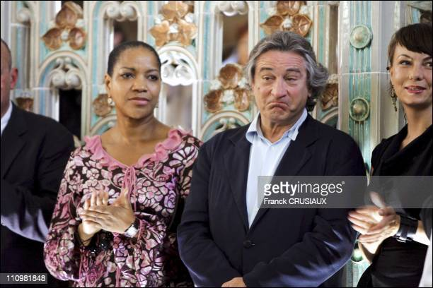 US actor Robert De Niro and his wife Grace Hightower arrive at La Pisine in Roubaix on the occasion of the opening of an exhibition of paintings by...