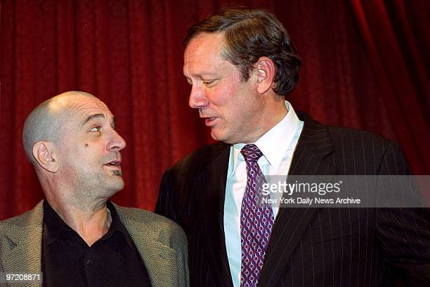 Actor Robert De Niro has a word with Gov George Pataki at the Metropolitan Museum of Art where he received the Governor's Art Award