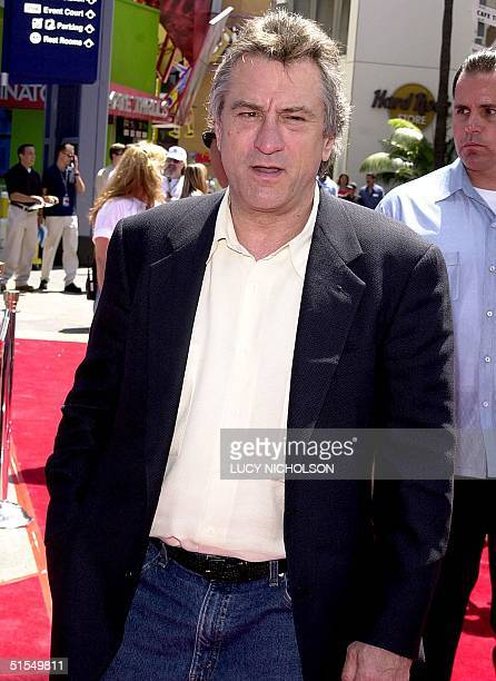 US actor Robert DeNiro arrives at the premiere of his new film 'The Adventures of Rocky and Bullwinkle' at Universal Studios 24 June 2000 The film is...