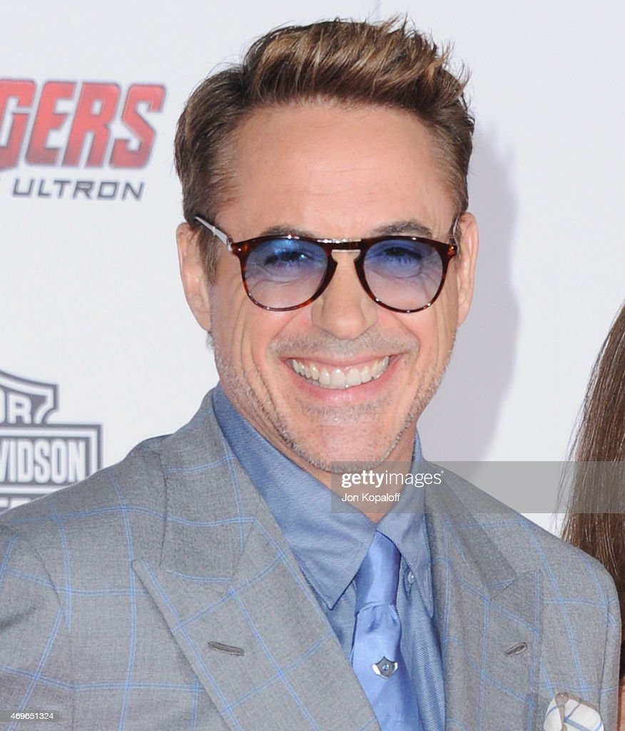 Actor <a gi-track='captionPersonalityLinkClicked' href=/galleries/search?phrase=Robert+Downey+Jr.&family=editorial&specificpeople=204137 ng-click='$event.stopPropagation()'>Robert Downey Jr.</a> arrives at the Los Angeles Premiere Marvel's 'Avengers Age Of Ultron' at Dolby Theatre on April 13, 2015 in Hollywood, California.