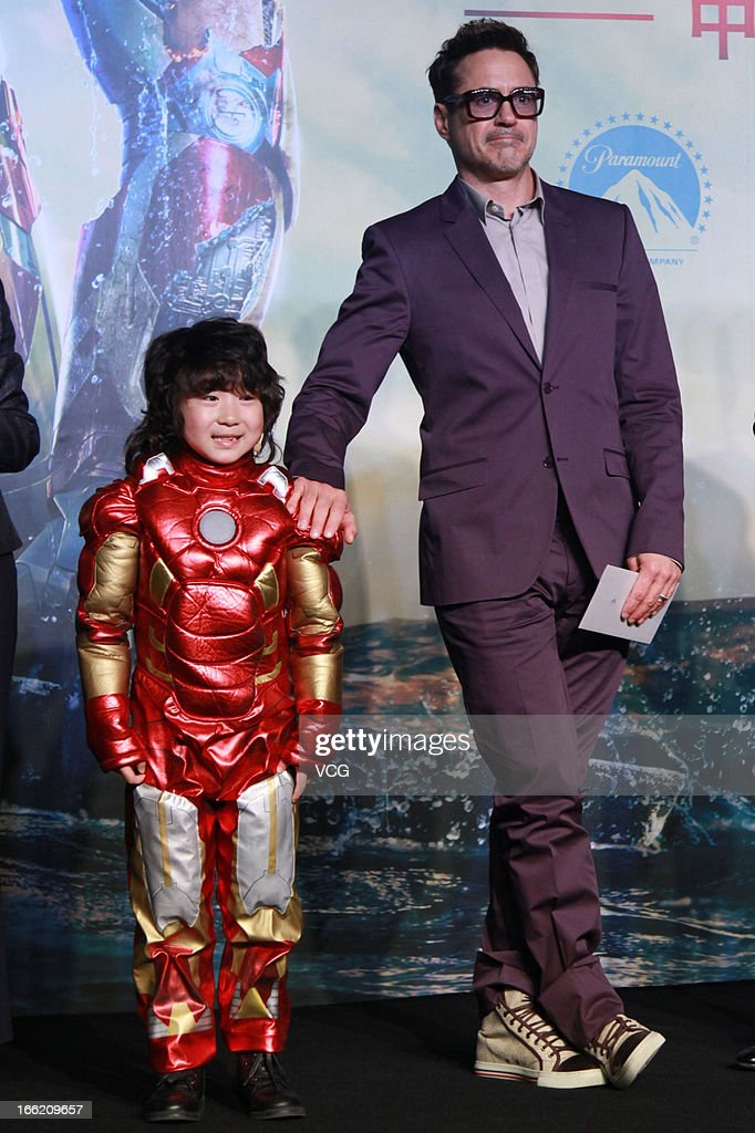 Actor <a gi-track='captionPersonalityLinkClicked' href=/galleries/search?phrase=Robert+Downey+Jr.&family=editorial&specificpeople=204137 ng-click='$event.stopPropagation()'>Robert Downey Jr.</a> attends 'Iron Man 3' press conference on April 6, 2013 in Beijing, China.