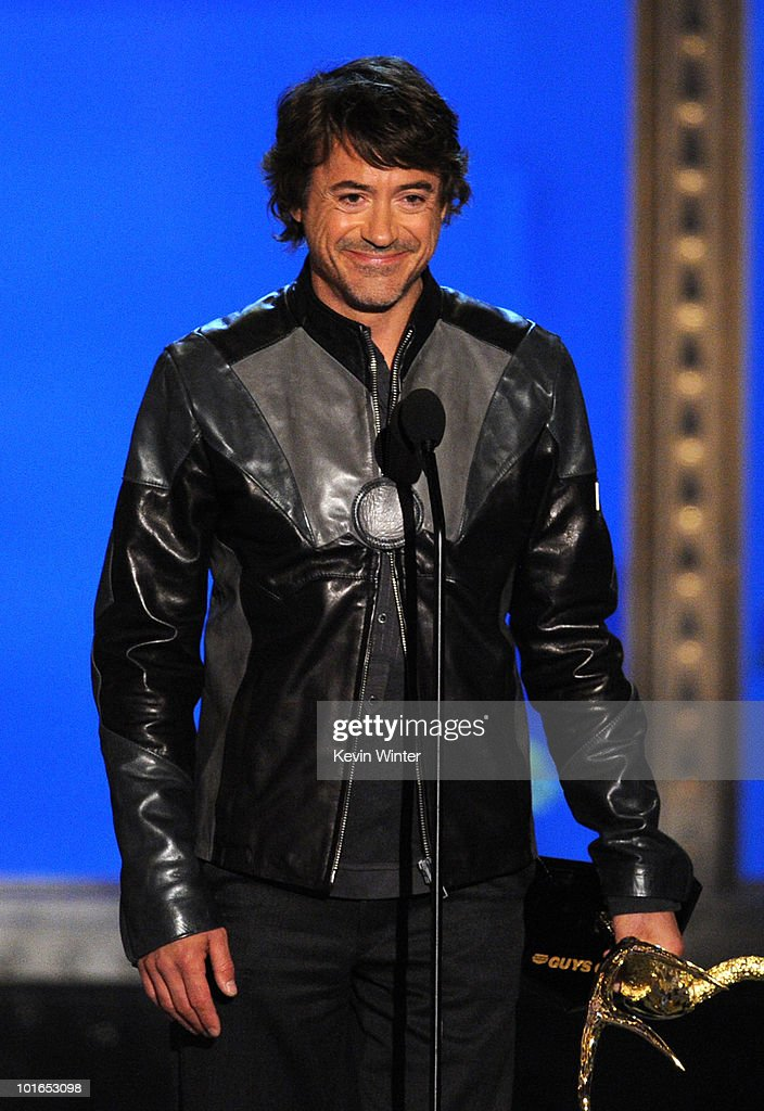 Actor Robert Downey Jr. receives the Deadliest Warrior Award onstage during Spike TV's 4th Annual 'Guys Choice Awards' held at Sony Studios on June 5, 2010 in Los Angeles, California. 'Guys Choice' premieres June 20, 2010 at 10PM ET/PT on Spike.