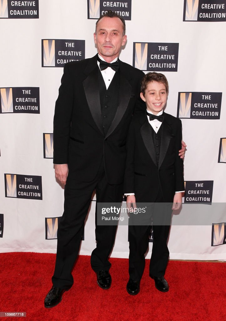 Actor <a gi-track='captionPersonalityLinkClicked' href=/galleries/search?phrase=Robert+Knepper&family=editorial&specificpeople=630261 ng-click='$event.stopPropagation()'>Robert Knepper</a> (L) and Benjamin Knepper attend The Creative Coalition's 2013 Inaugural Ball on January 21, 2013 in Washington, United States.