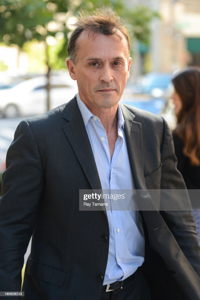 Actor <a gi-track='captionPersonalityLinkClicked' href=/galleries/search?phrase=Robert+Knepper&family=editorial&specificpeople=630261 ng-click='$event.stopPropagation()'>Robert Knepper</a> leaves his Soho hotel on September 17, 2013 in New York City.