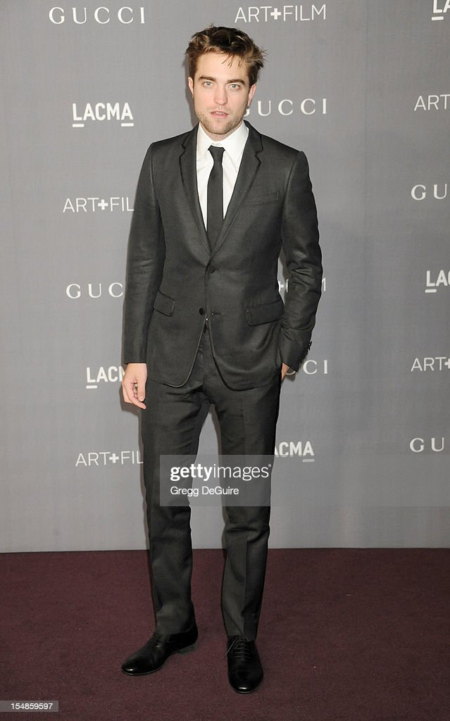 Actor <a gi-track='captionPersonalityLinkClicked' href=/galleries/search?phrase=Robert+Pattinson&family=editorial&specificpeople=734445 ng-click='$event.stopPropagation()'>Robert Pattinson</a> arrives at LACMA Art + Gala at LACMA on October 27, 2012 in Los Angeles, California.
