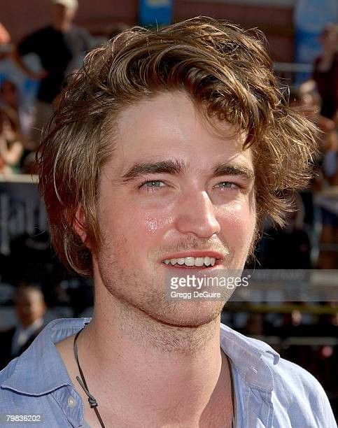 Actor Robert Pattinson arrives at the 'Harry Potter and The Order of the Phoenix' premiere at the Grauman's Chinese Theatre on July 2007 in Hollywood...