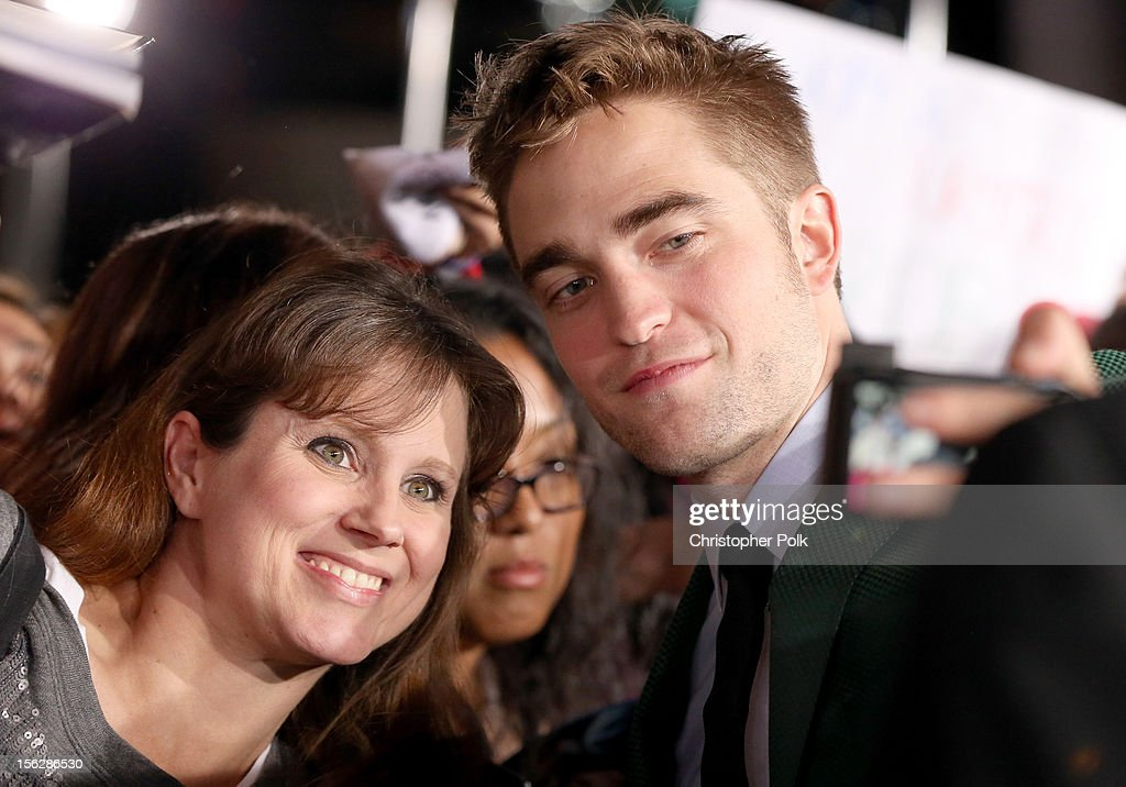 Actor <a gi-track='captionPersonalityLinkClicked' href=/galleries/search?phrase=Robert+Pattinson&family=editorial&specificpeople=734445 ng-click='$event.stopPropagation()'>Robert Pattinson</a> arrives at the premiere of Summit Entertainment's 'The Twilight Saga: Breaking Dawn - Part 2' at Nokia Theatre L.A. Live on November 12, 2012 in Los Angeles, California.