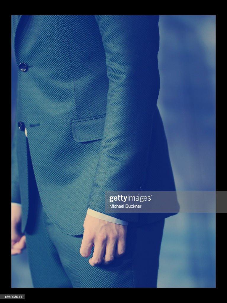 Actor <a gi-track='captionPersonalityLinkClicked' href=/galleries/search?phrase=Robert+Pattinson&family=editorial&specificpeople=734445 ng-click='$event.stopPropagation()'>Robert Pattinson</a> arrives at the Summit Entertainment's 'The Twilight Saga: Breaking Dawn - Part 2' at Nokia Theatre L.A. Live on November 12, 2012 in Los Angeles, California.