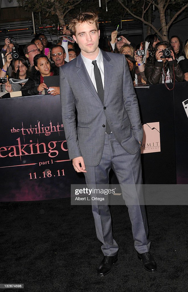 Actor <a gi-track='captionPersonalityLinkClicked' href=/galleries/search?phrase=Robert+Pattinson&family=editorial&specificpeople=734445 ng-click='$event.stopPropagation()'>Robert Pattinson</a> arrives for Summit Entertainment's 'The Twilight Saga: Breaking Dawn - Part 1' held at Nokia Theatre L.A. Live on November 14, 2011 in Los Angeles, California.