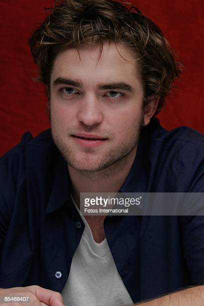 Actor Robert Pattinson at the Four Seasons Hotel on November 8 2008 in Beverly Hills California Reproduction by American tabloids is absolutely...