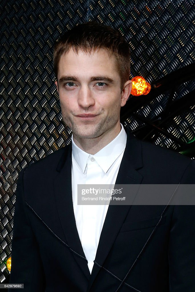 Actor Robert Pattinson attends the Dior Homme Menswear Spring/Summer 2017 show as part of Paris Fashion Week on June 25, 2016 in Paris, France.