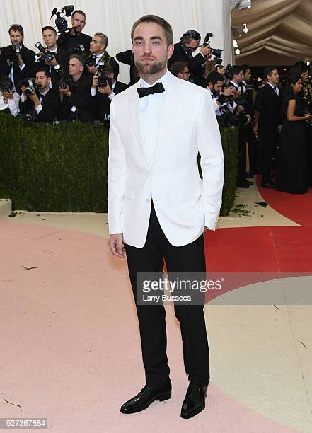 Actor Robert Pattinson attends the 'Manus x Machina Fashion In An Age Of Technology' Costume Institute Gala at Metropolitan Museum of Art on May 2...
