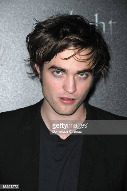 Actor Robert Pattinson poses during the Photocall for the film twilight at the Hotel de Crillon in Paris on December 8 2008 Paris France