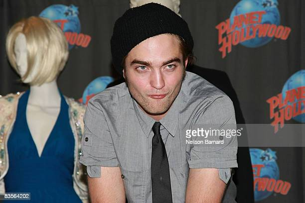 Actor Robert Pattinson promotes his new film 'Twilight' with a handprint ceremony at Planet Hollywood on November 4 2008 in New York City