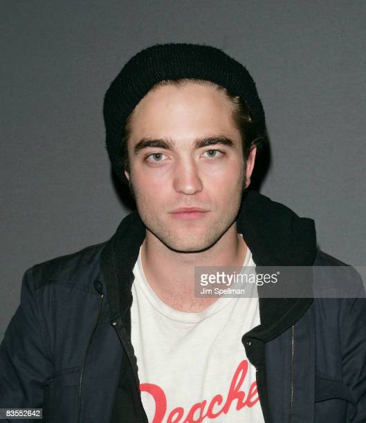 Actor Robert Pattinson promotes 'Twilight' at the Apple Store in Soho on November 3 2008 in New York City