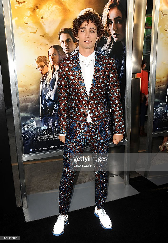 Actor Robert Sheehan attend the premiere of 'The Mortal ...