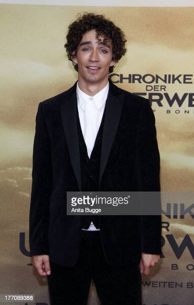 Robert Sheehan Actor Stock Photos and Pictures | Getty Images