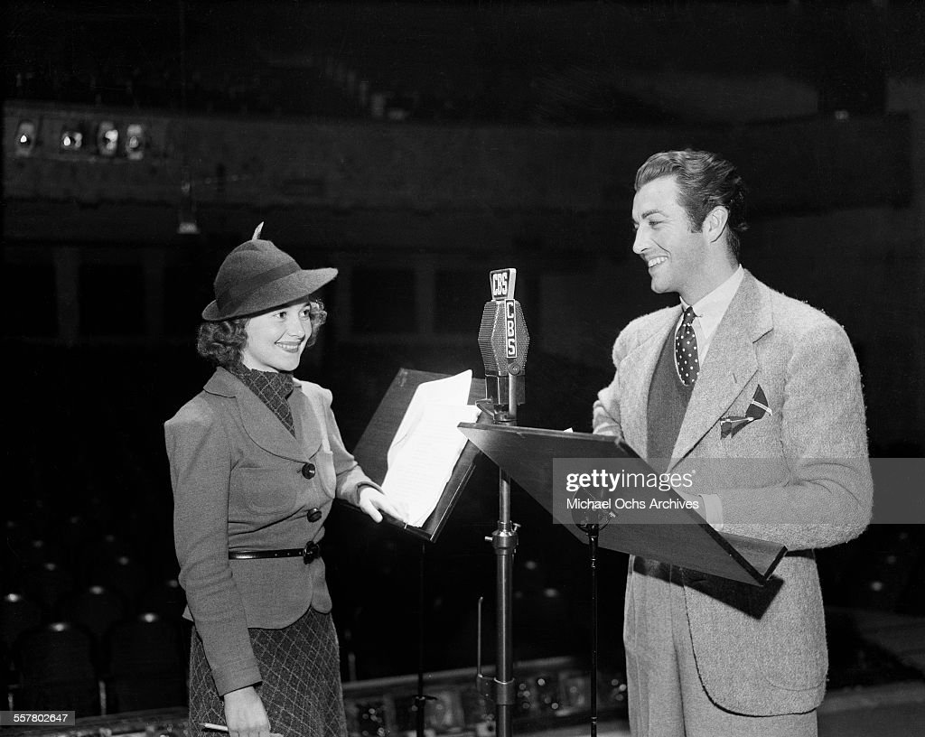 Actor <a gi-track='captionPersonalityLinkClicked' href=/galleries/search?phrase=Robert+Taylor+-+American+Actor&family=editorial&specificpeople=5411922 ng-click='$event.stopPropagation()'>Robert Taylor</a> and actress Olivia de Havilland at CBS radio station in Los Angeles, California.