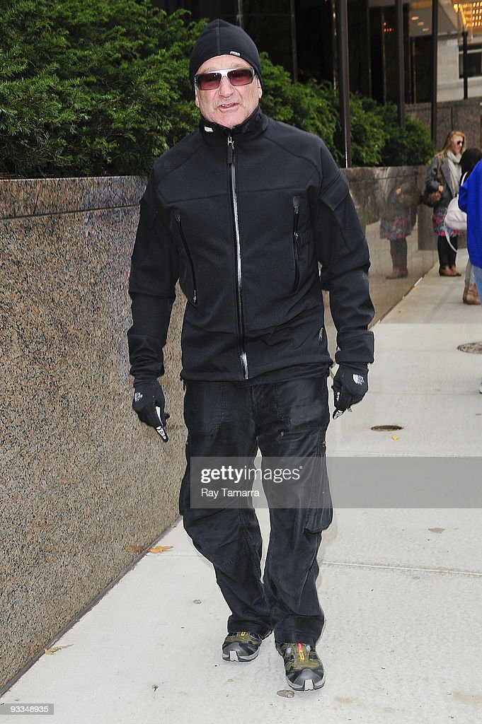Actor Robin Williams leaves his Midtown Manhattan hotel on November 23, 2009 in New York City.