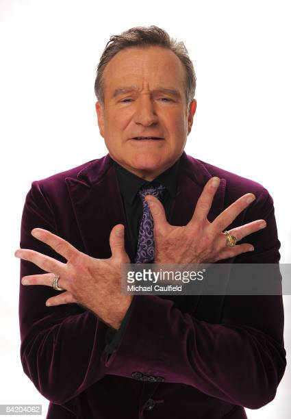 Actor Robin Williams poses for a portrait during the 35th Annual People's Choice Awards held at the Shrine Auditorium on January 7 2009 in Los...